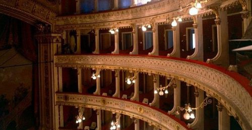 (Português) Teatro Garcia de Resende