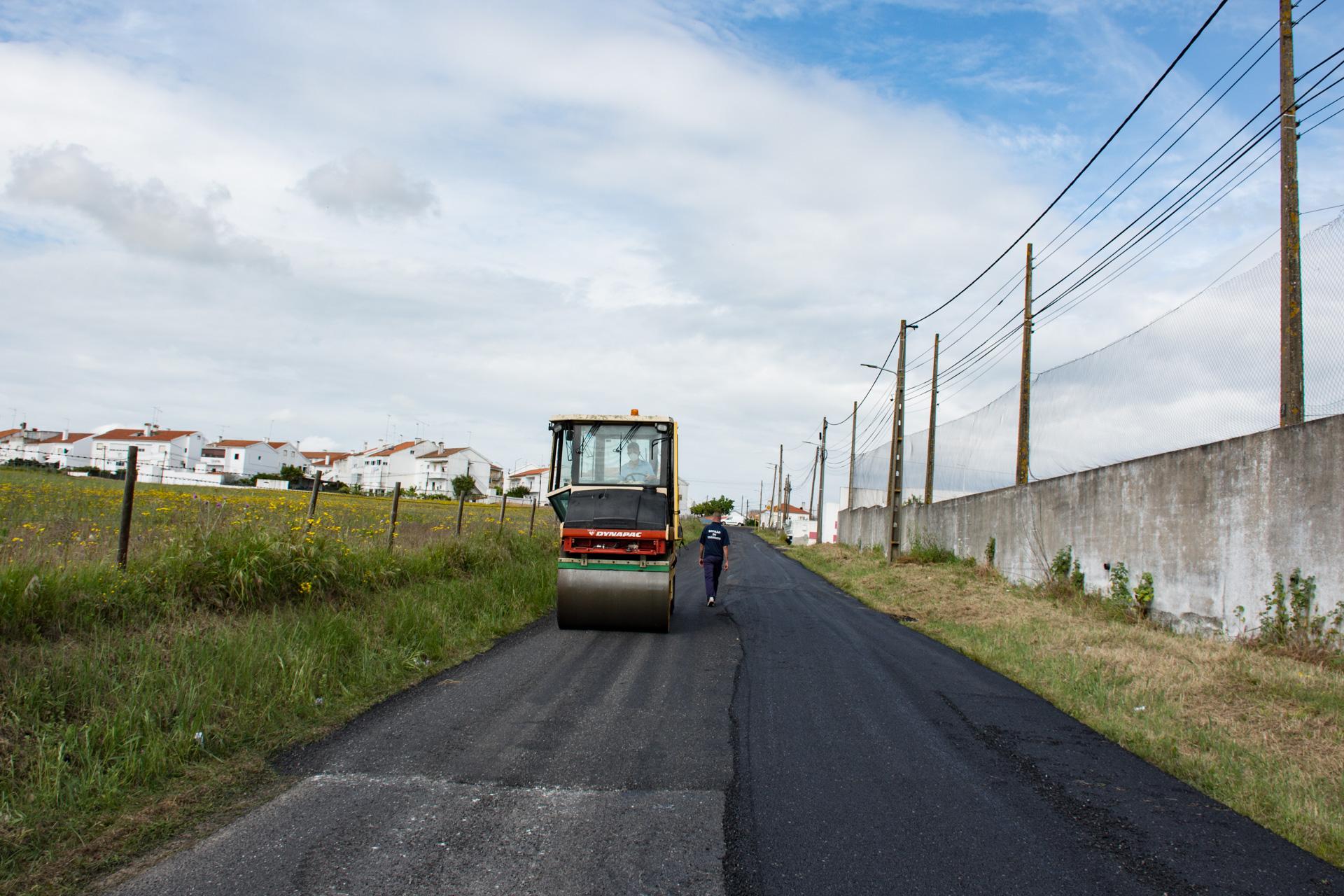 (Português) Reparação da Rede Viária Municipal – Estrada dos Aliados