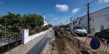 (Português) A remodelação das redes de água e saneamento dos Canaviais já começou