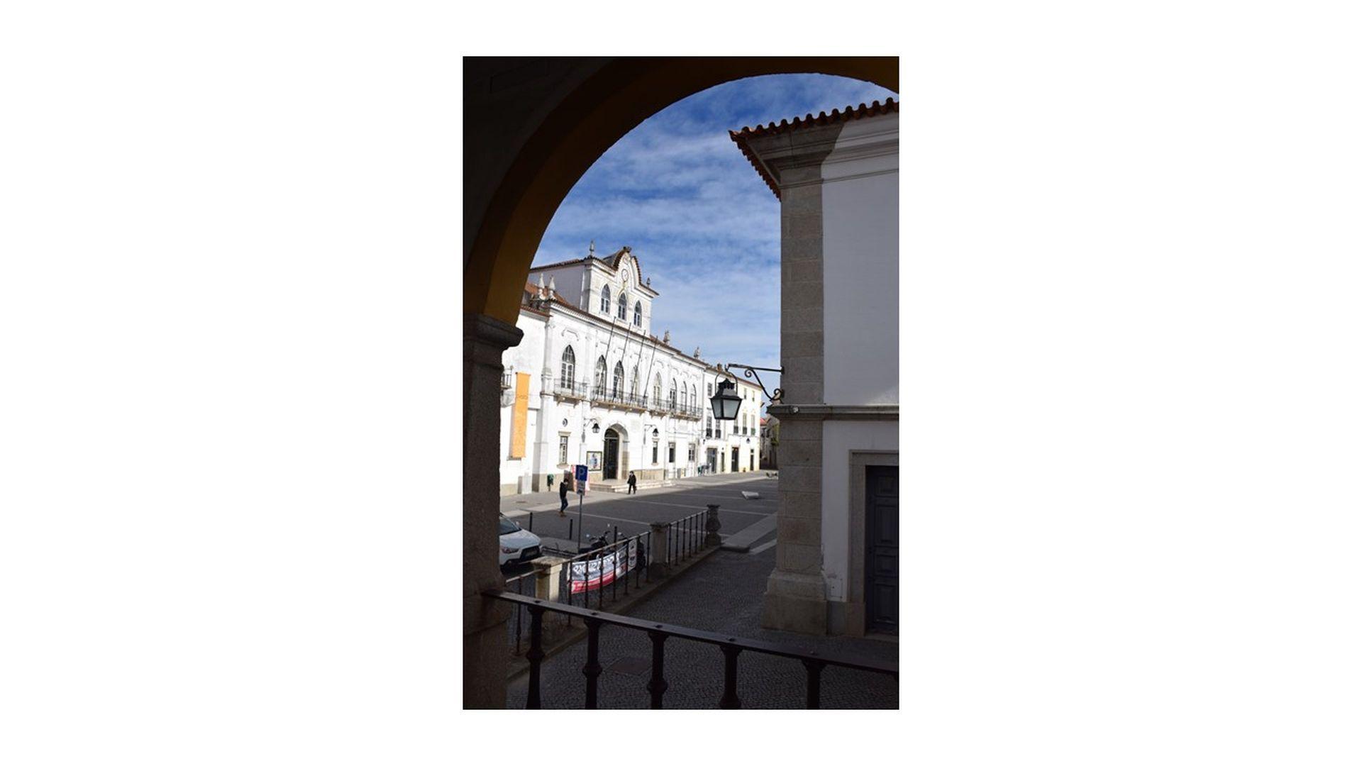 """Em reunião Pública de 5 de Maio de 2021: Câmara de Évora vai alargar os apoios sociais com """"Cartão Município Solidário"""""""