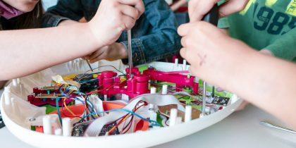 Projeto Replay realizou oficinas de reciclagem de brinquedos em escolas eborenses