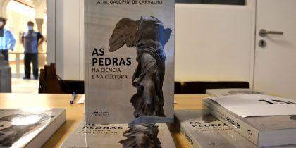 """""""As Pedras na Ciência e na Cultura"""", de A. M. Galopim de Carvalho apresentado no Palácio de D. Manuel"""