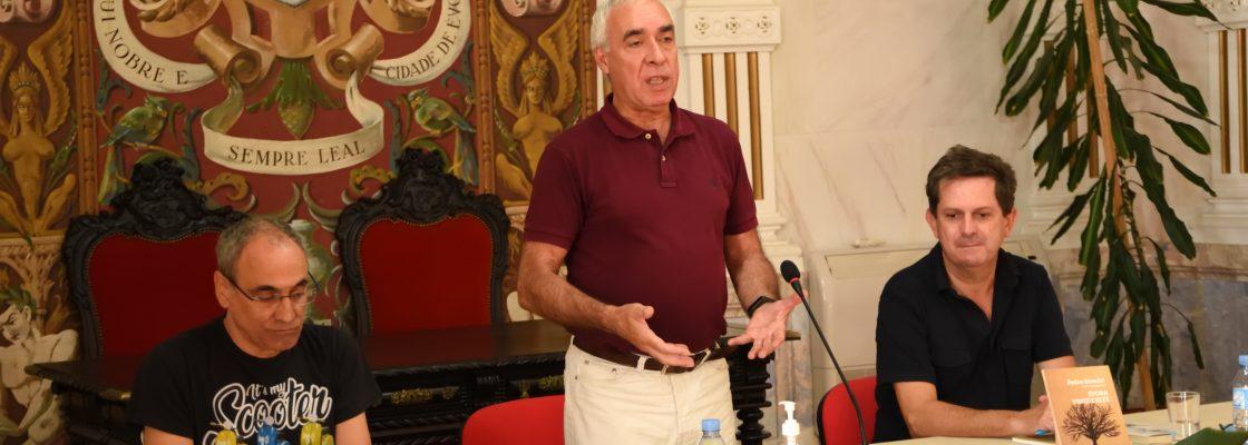 """""""ÉVORA VINTE E SETE"""", novo livro de Pedro Strecht apresentado em Évora"""