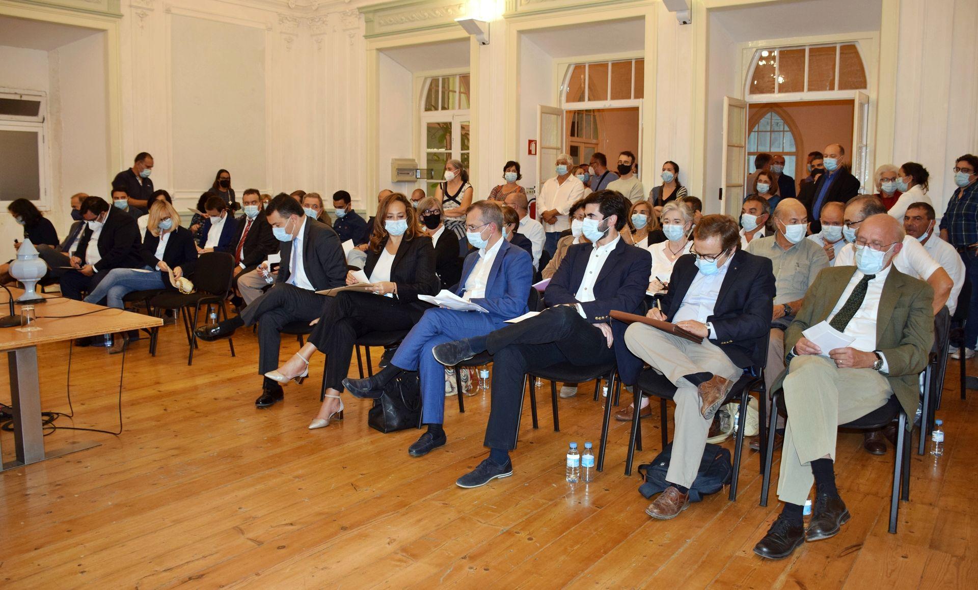 Eleitos Municipais de Évora tomaram posse e realizaram primeira sessão da Assembleia